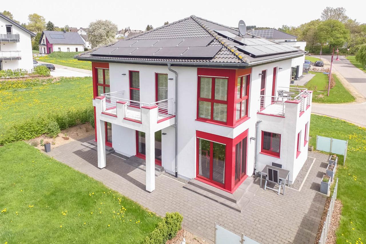 Referenzhaus Stadtvilla Mit Vielen Details Vom Fertighausanbieter