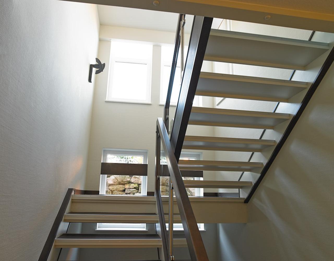 Gut bekannt Treppenhaus Fenster Modern MZ64
