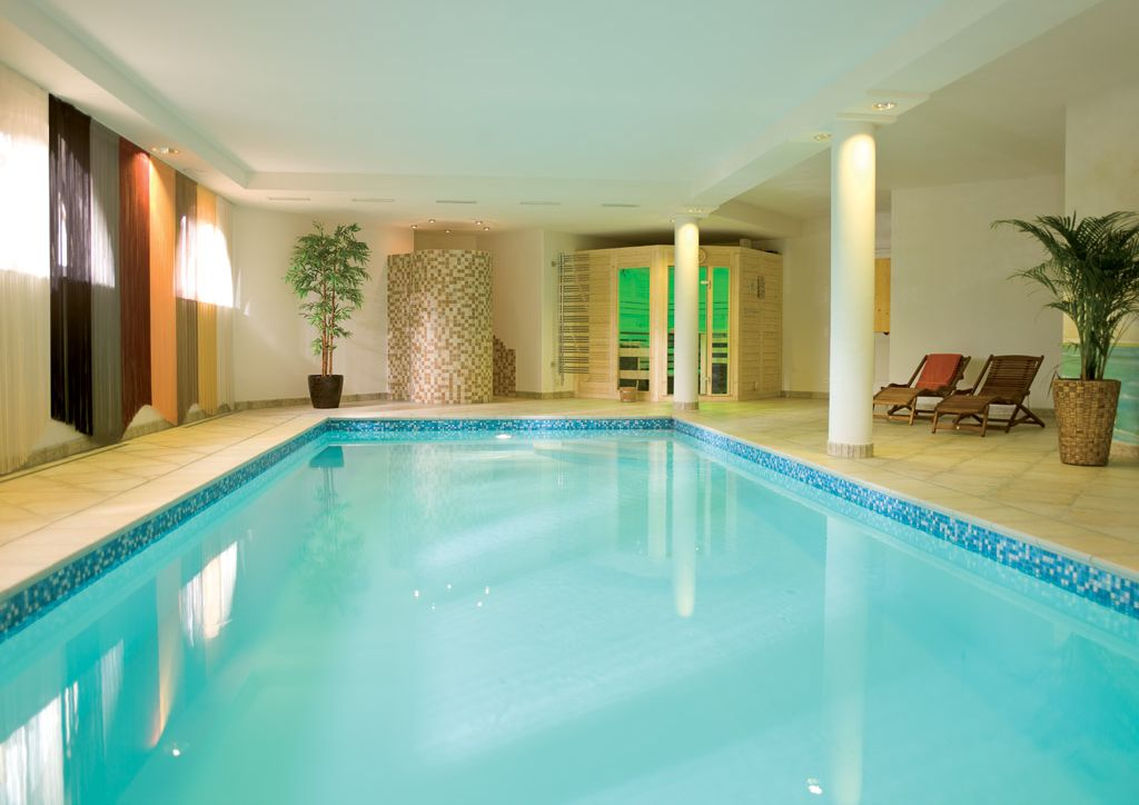 pool im keller pool im keller hotel seestern in wasserburg bodensee holidaycheck bayern. Black Bedroom Furniture Sets. Home Design Ideas